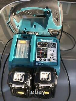 Makita DJV180 18v lxt li-ion jigsaw 2x Original Batteries And Charger